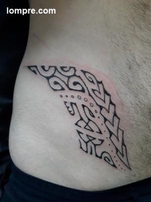 les symboles mata hoata, pointes de lance et couple d'enatas